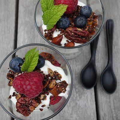 Lavkarbo granola med nøtter og frø