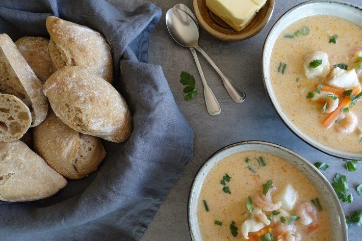 Fiskesuppe med red curry og torsk